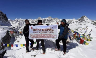 On the top of Chola Pass